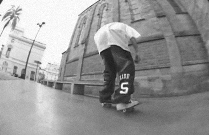 Как мир моды адаптирует культуру скейтбординга. Изображение № 2.