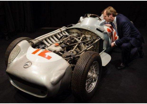 Легендарный болид «Формулы-1» Mercedes-Benz W196 1954 года выставлен на аукцион. Изображение № 4.