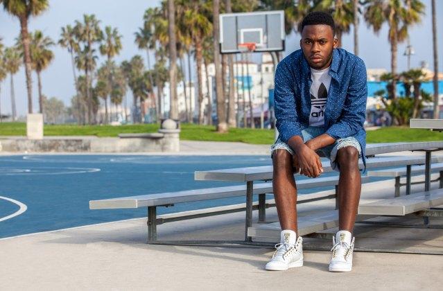 Марка Adidas Originals представила лукбук перезапущенной линейки кроссовок Top Ten . Изображение № 10.