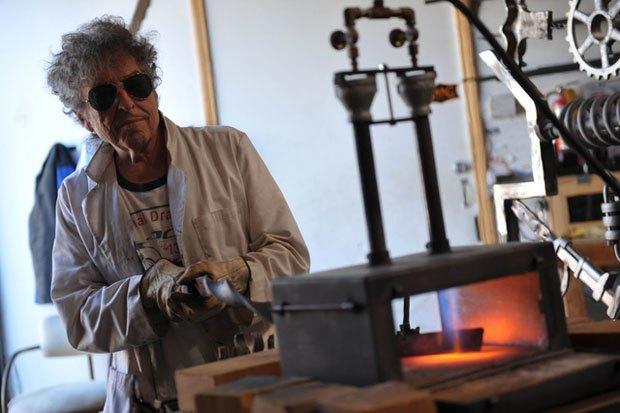 В Лондоне пройдет выставка металлических ворот, созданных Бобом Диланом. Изображение № 1.