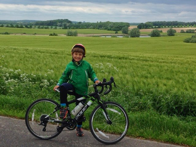 7-летний велосипедист доехал из Швеции до Германии. Изображение № 1.