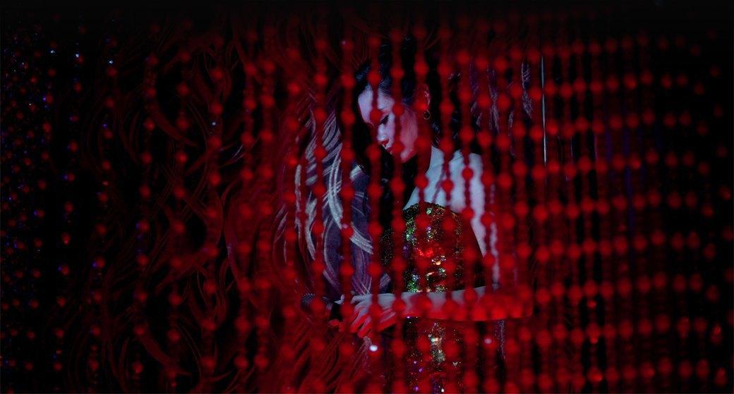 Кровь на танцполе: Всё об эстетике неон-нуара, нового криминального жанра в кино и играх. Изображение № 3.