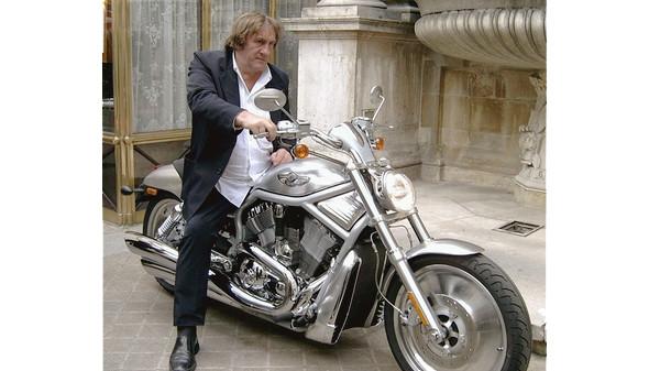 Жерар Депардье — Harley Davidson V-Rod. Изображение № 12.
