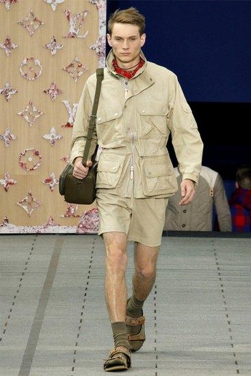 Англичане назвали сандалии с носками самой большой ошибкой стиля. Изображение № 1.