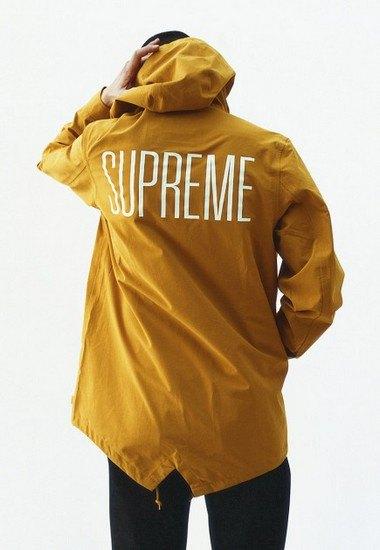 Марка Supreme выпустила лукбук весенней коллекции одежды. Изображение № 7.
