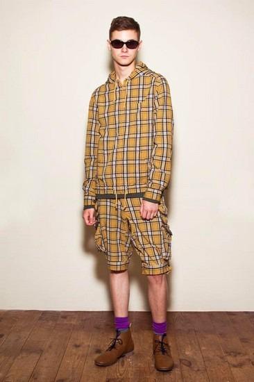 Марка Undercover опубликовала лукбук весенней коллекции одежды. Изображение № 10.