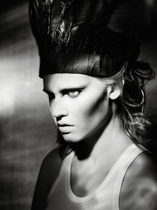 Модель Лара Стоун снялась у фотографа Паоло Роверси. Изображение № 3.