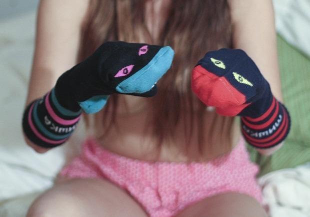Марка Mishka выпустила эротический лукбук новой коллекции носков. Изображение № 9.