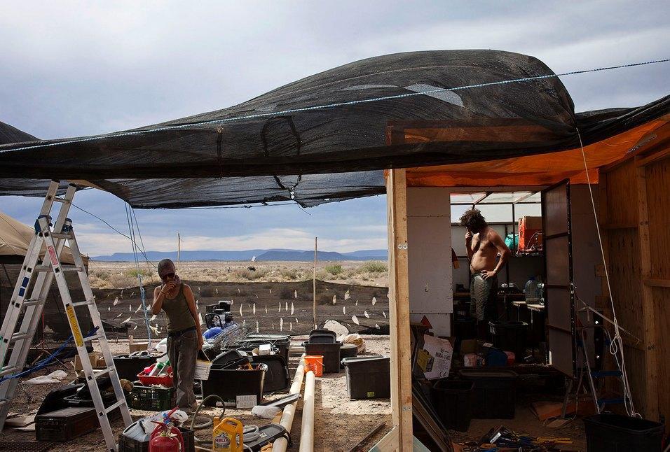 Как развлекаются посетители фестиваля Burning Man в африканской пустыне. Изображение № 9.