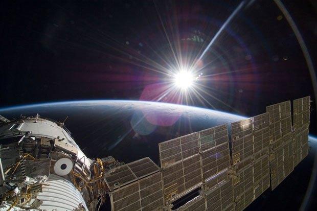 NASA опубликовало фотосессию, вдохновленную фильмом «Гравитация». Изображение № 2.