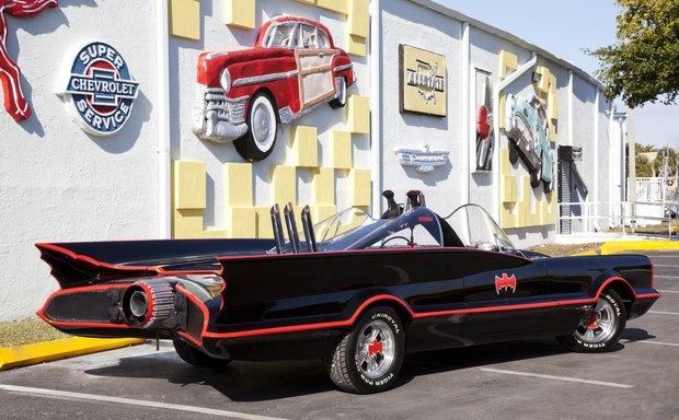 Самый первый Бэтмобиль ушел с аукциона за 4,6 миллиона долларов. Изображение № 4.