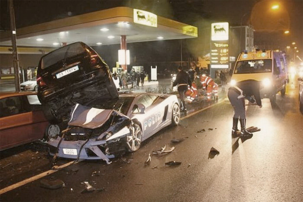 Полицейский беспредел: Самые навороченные авто на службе полиции разных стран. Изображение № 22.