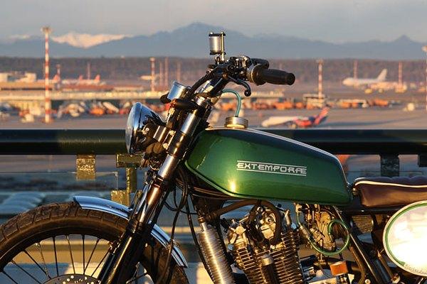 Итальянская мастерская Extemporae представила скрэмблер на базе Suzuki DR650. Изображение № 2.