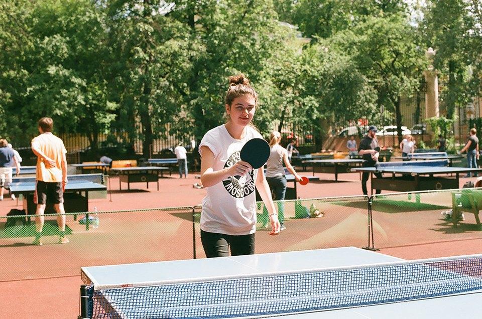Фоторепортаж: Женский турнир по пинг-понгу в Нескучном саду. Изображение № 21.
