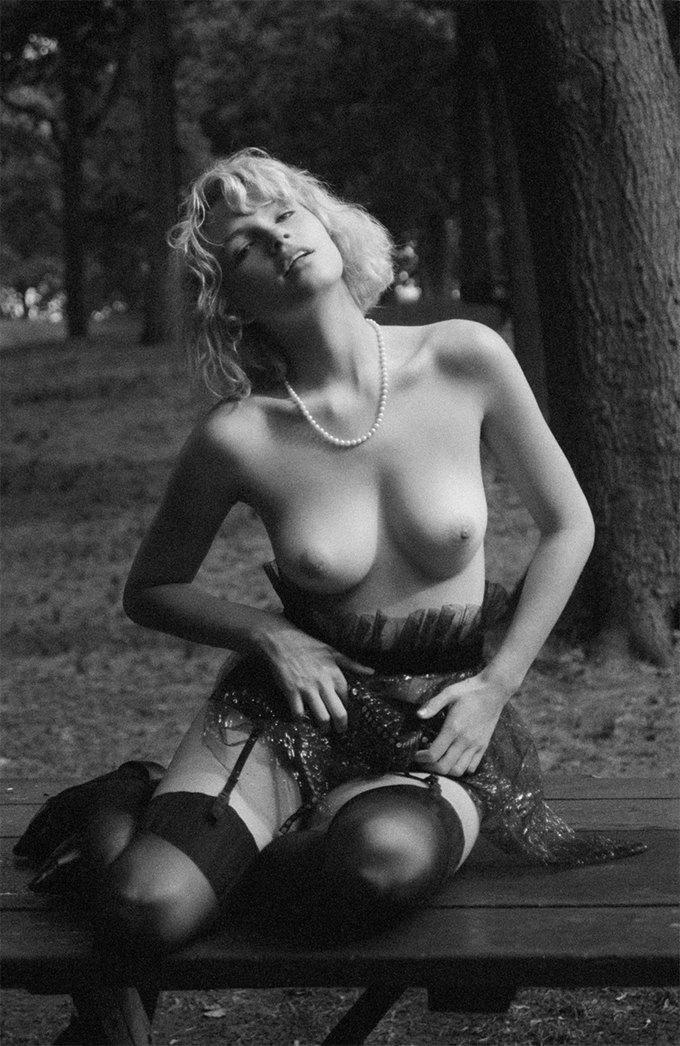 Канадская модель Британи Нола снялаcь для журнала Purple. Изображение № 2.