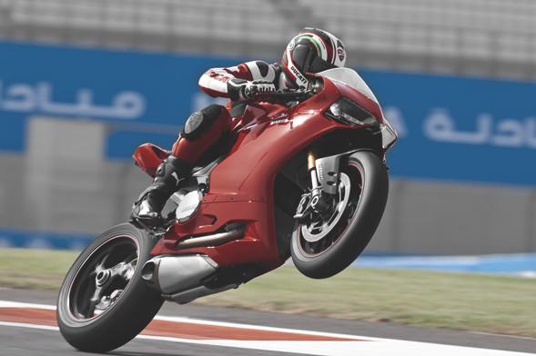 Первые испытания мотоцикла Ducati Panigale. Изображение № 3.