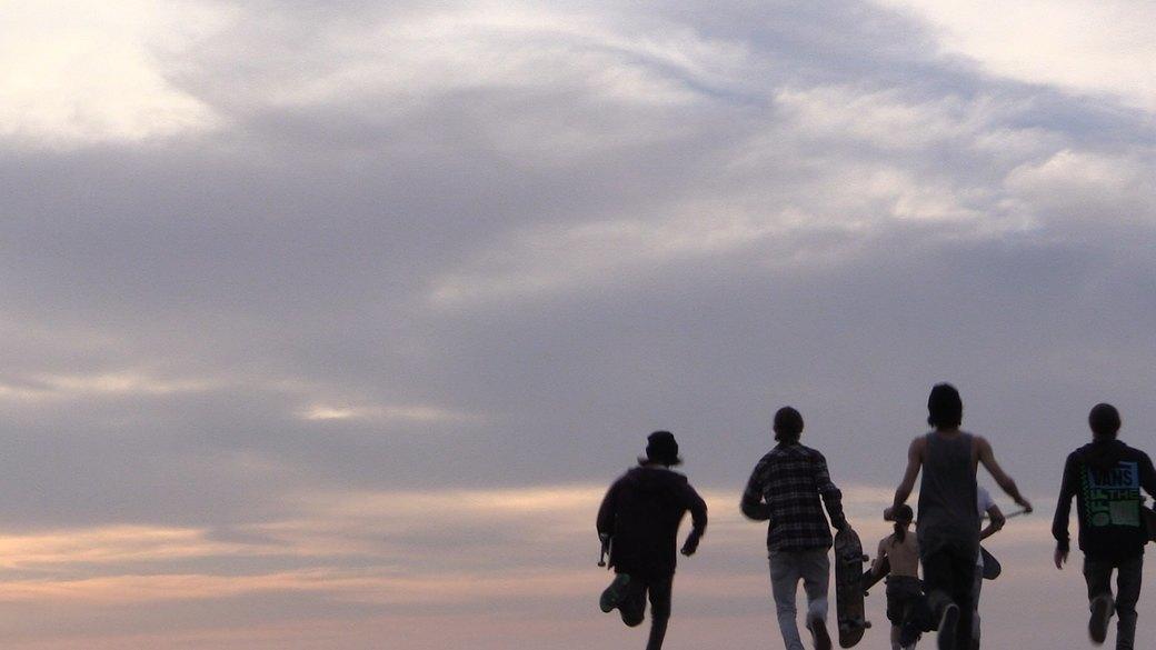 «Когда земля кажется лёгкой»: Грузинские скейтеры в фотографиях Давида Месхи. Изображение № 25.