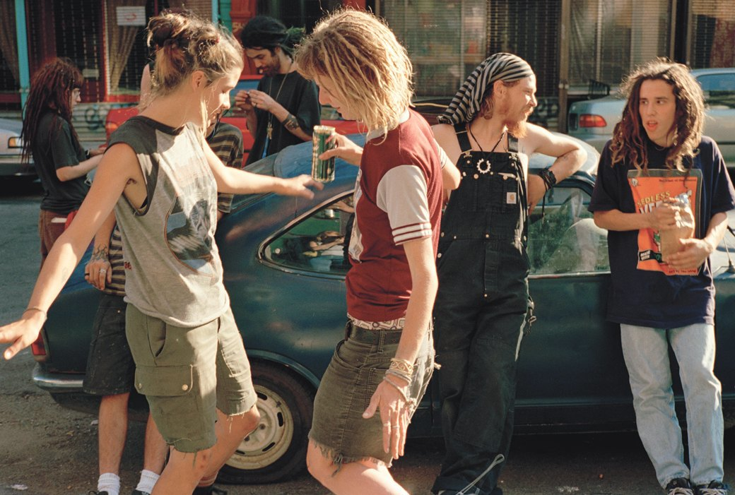 Жизнь нью-йоркских сквотеров в фотопроекте Эш Тэйер. Изображение № 2.