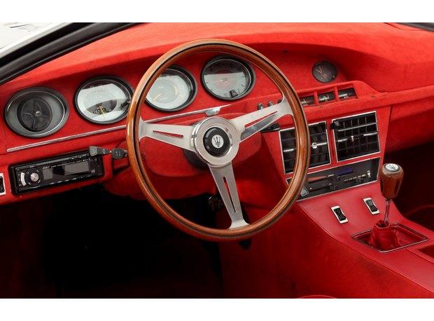 Кастомная версия спорткара Maserati Merak 1975 года уйдет с молотка. Изображение № 4.