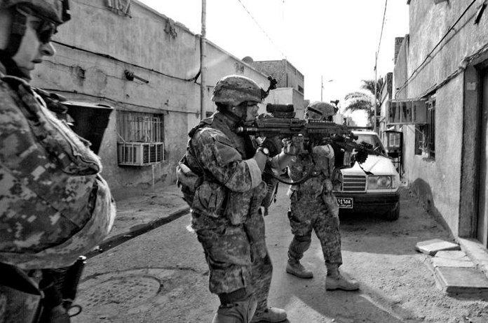 Объективный взгляд: 10 современных военных фотографов . Изображение № 29.