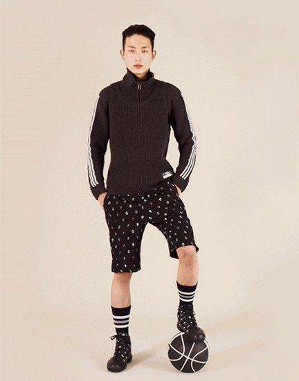Марки Opening Ceremony и Adidas Originals представили совместную коллекцию одежды. Изображение № 4.