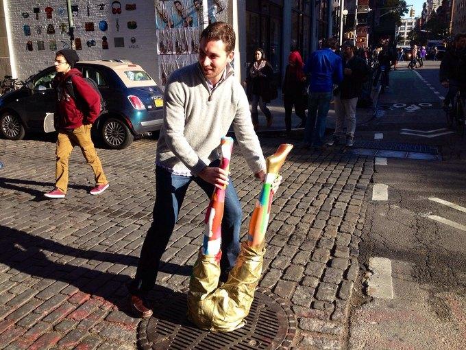 Уличные скульптуры, созданные неизвестными. Изображение № 11.