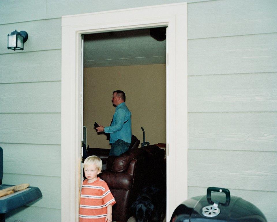 Семейный альбом: Как устроена бытовая жизнь американских военных . Изображение № 21.