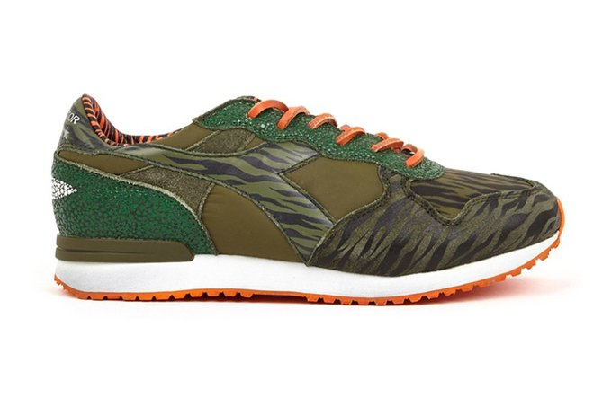 Итальянские марки Diadora и The Editor выпустили совместную коллекцию кроссовок. Изображение № 3.