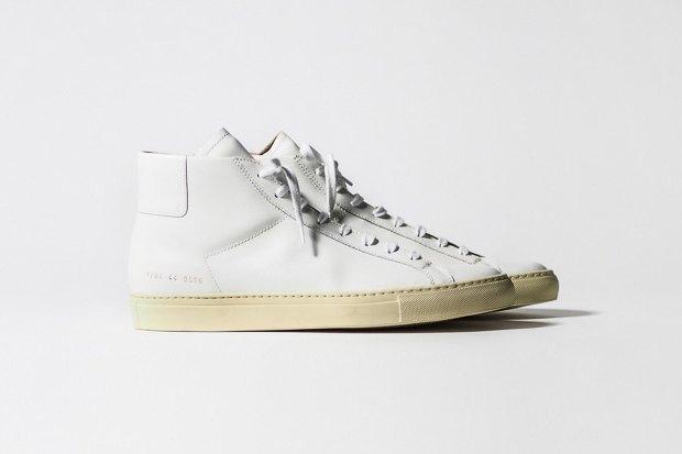 Марка Common Projects опубликовала лукбук осенне-летней коллекции обуви. Изображение № 5.