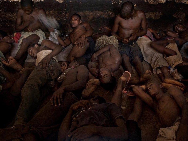 Как подростки Сьерра-Леоне годами живут в тюрьме в ожидании суда по их делу. Изображение № 14.