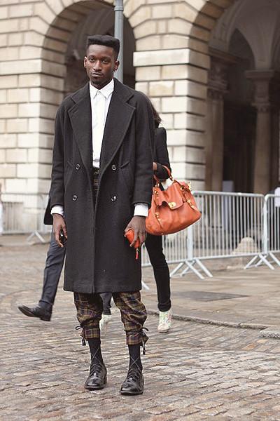 Уличный стиль на неделе моды в Лондоне. Изображение № 21.