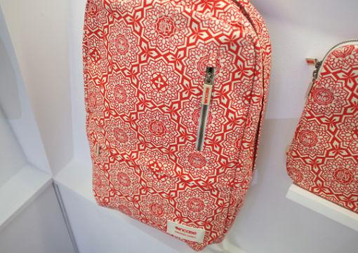 Совместная коллекция сумок марки Incase и художника Шепарда Фейри. Изображение № 1.