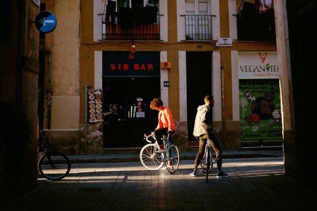 Велосипедная марка Rapha опубликовала лукбук весенне-летней коллекции. Изображение № 17.