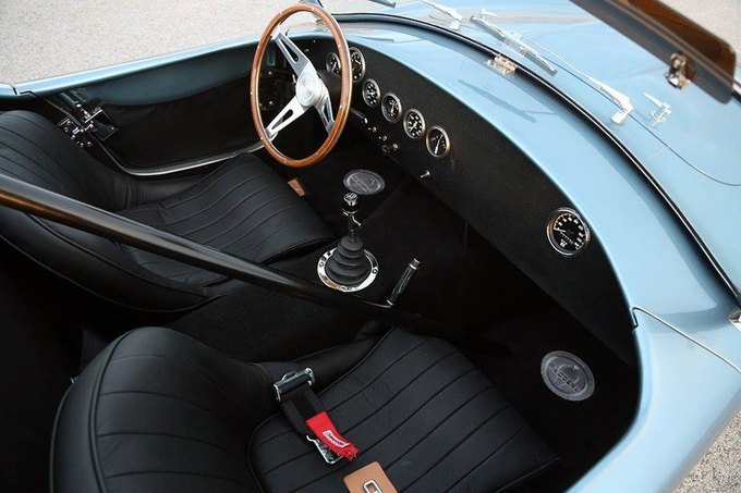 Shelby возродила гоночный спорткар 289 FIA Cobra. Изображение № 4.