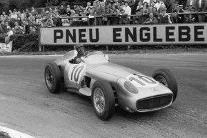 Самый дорогой болид «Формулы-1» в истории ушел с молотка. Изображение № 10.