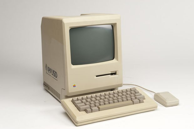Apple выпустили интерактивную онлайн-биографию Macintosh по случаю 30-летия компьютера. Изображение № 1.