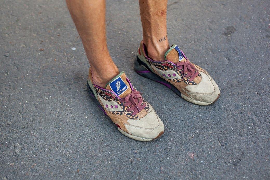 50 пар кроссовок посетителей выставки Faces & Laces. Изображение № 19.