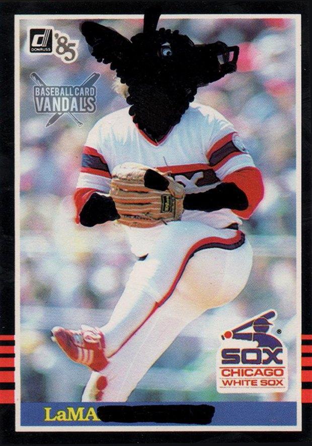 Baseball Card Vandals: Художники иронизируют над спортивными коллекционными карточками. Изображение № 11.
