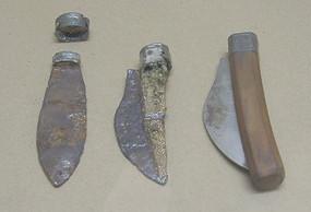 Останки римских ножей из Геллепа (Германия) и современная репродукция. Изображение №2.