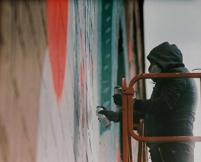 Граффити-художники Os Gemêos разрисуют городские стены Минска. Изображение № 3.