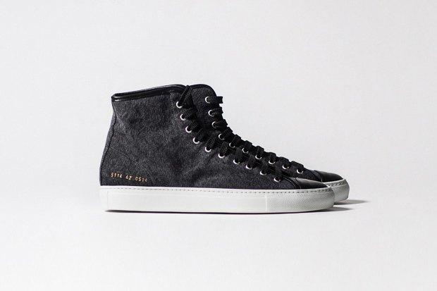 Марка Common Projects опубликовала лукбук осенне-летней коллекции обуви. Изображение № 17.