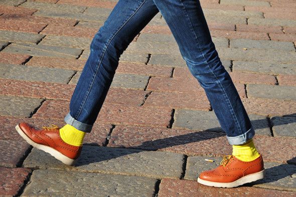 Изображение 20. Шарфы, клатчи, клетчатые пиджаки и подвернутые джинсы.. Изображение № 60.