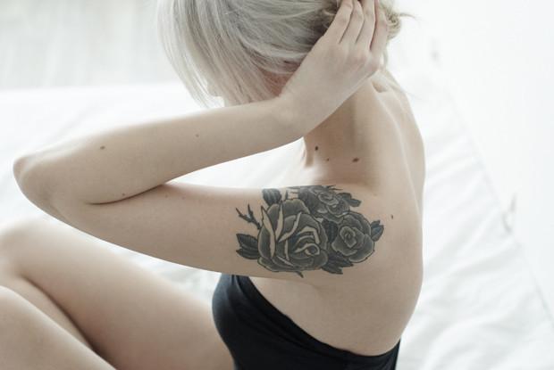 На игле 2: Еще пять девушек рассказывают о своих татуировках. Изображение № 11.