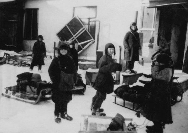 Выставку в честь 70-летия Победы закрыли из-за улыбающихся детей. Изображение № 2.