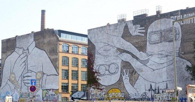 В Берлине собирают подписи в поддержку работы стрит-арт художника Blu. Изображение № 1.