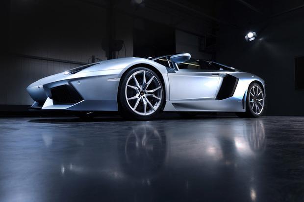 Lamborghini представили новый суперкар Aventador LP700-4 Roadster . Изображение № 5.