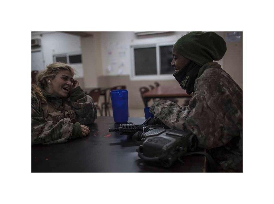 Фотопроект: Как служат женщины в армии Израиля. Изображение № 20.