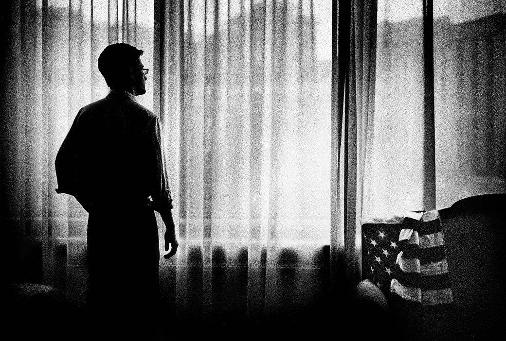 Как Сноуден смог передать секретные документы: Люк Хардинг о самом разыскиваемом человеке в мире. Изображение № 3.