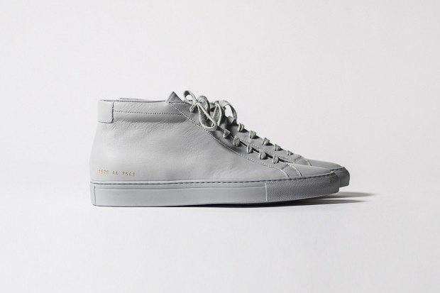 Марка Common Projects опубликовала лукбук осенне-летней коллекции обуви. Изображение № 1.
