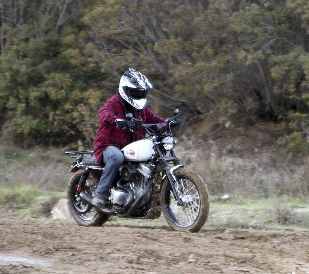 Мастерская Burly Brand представила скрэмблер на основе Harley-Davidson Sportster. Изображение № 19.